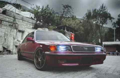 https://www.pexels.com/photo/asphalt-automotive-car-classic-205337/